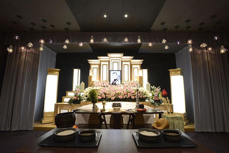 家族葬のトワーズ豊橋中央祭壇
